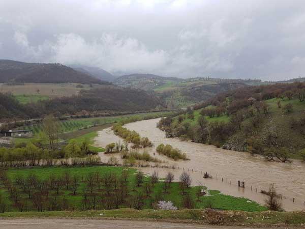سیل به ۱۵۰۰ هکتار از اراضی پیرانشهر خسارات وارد کرد
