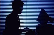 حساب بانکی تان را علیه کلاهبرداران اینترنتی بیمه کنید!