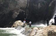 عکس سلفی جان جوان بوکانی را در آبشار شلماش گرفت