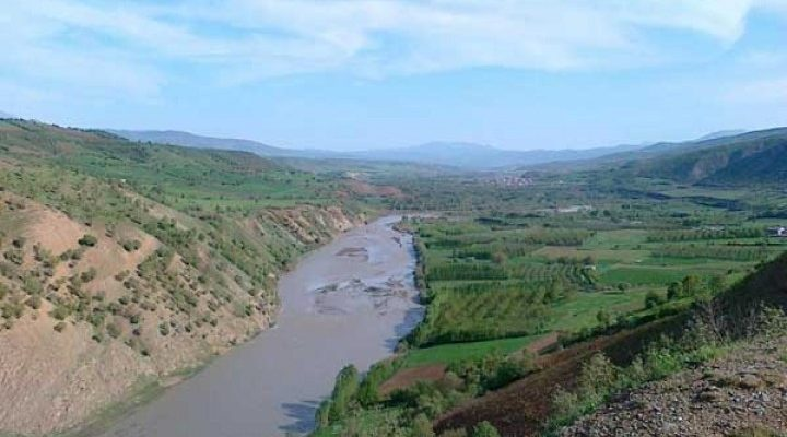 نه به آبشویی رودخانه زاب