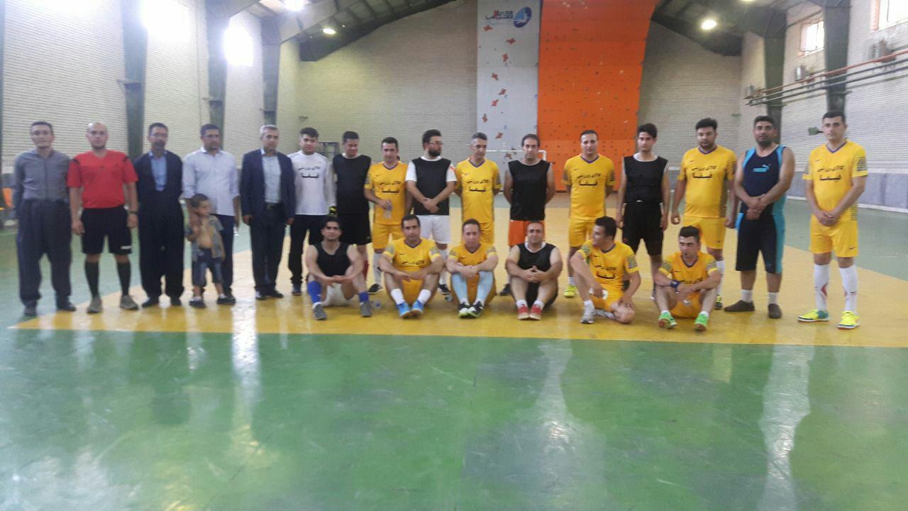 به مناسبت گرامیداشت روز خبرنگار : برگزاری مسابقات مختلف ورزشی تیم های خبرنگاران پیرانشهر و سردشت
