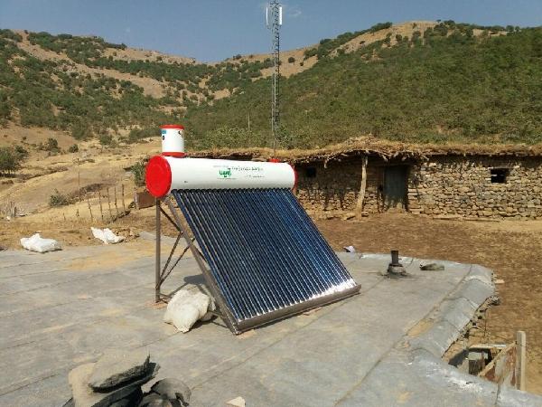 اختصاص ۲۰۵ دستگاه آبگرمکن خورشیدی برای زاگرسنشینان پیرانشهر و سردشت