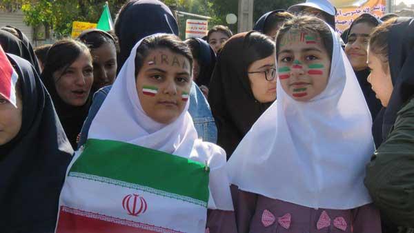 گزارش تصویری از برگزاری مراسم روز 13 آبان در پیرانشهر