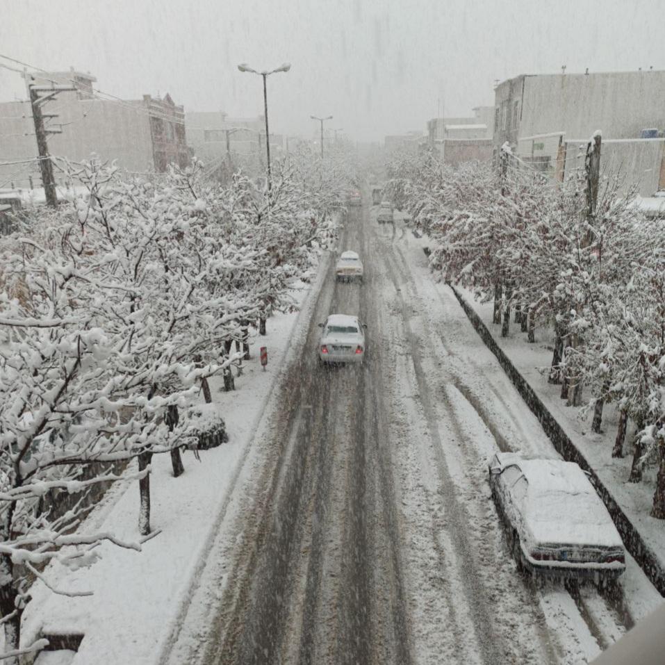 ضعف در مدیریت شهری نتیجه اختلاف نظر بین شورا و شهرداری پیرانشهر