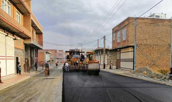 اتمام عملیات زیرسازی، آسفالت و بهسازی بیش از ۹۷۵۰۰ مترمربع از معابر شهری پیرانشهر